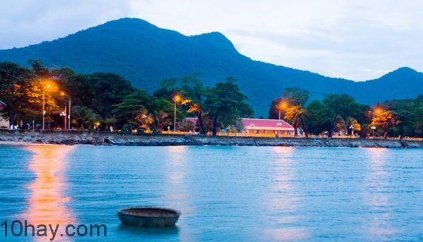 điểm tham quan nổi tiếng tại Côn Đảo