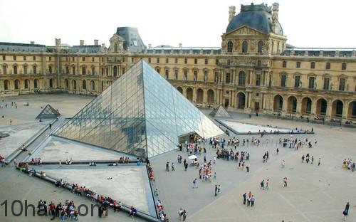 Kim tự tháp Louvre, Paris