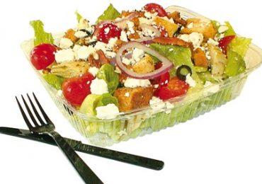 Salad trộn ở cửa hàng thức ăn nhanh