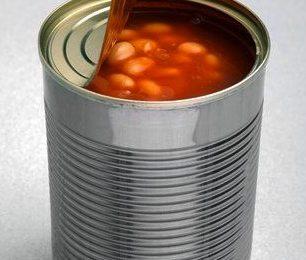 Đậu hầm sốt cà đóng hộp