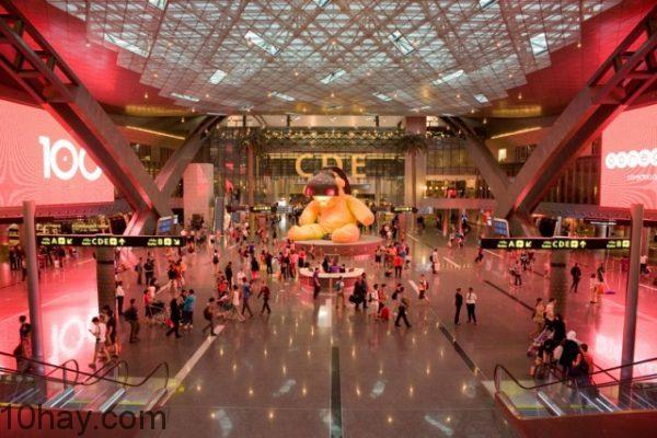 Sảnh chính của sân bay Hamad