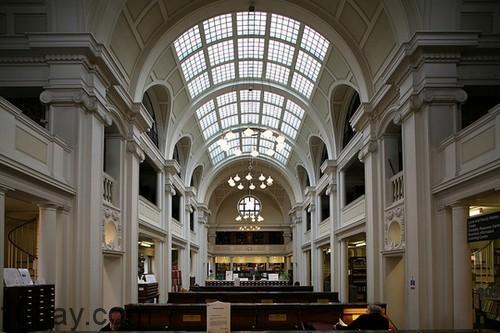 Thư viện độc đáo nhất của Anh - Trung tâm Bristol