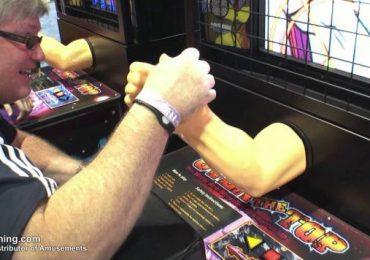 Trò chơi đấu vật với cánh tay người