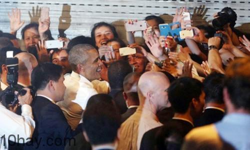 Tổng thống Obama gần gũi và thân thiện
