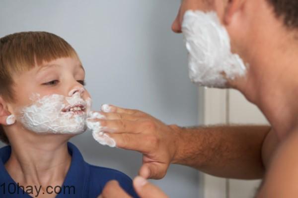 Khác biệt ý thức hệ về hoàn cảnh sinh sống của cha mẹ, con cái trong gia đình