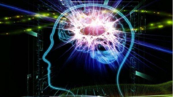 Khi bạn đang thức, não bộ có khả năng tạo ra dòng điện có thể phát sáng 1 bóng đèn nhỏ.