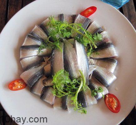 Món gỏi cá trích ngon, lạ miệng