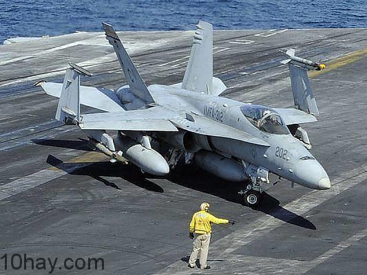 McDonnell Douglas F/A-18 Hornet (94 triệu USD).