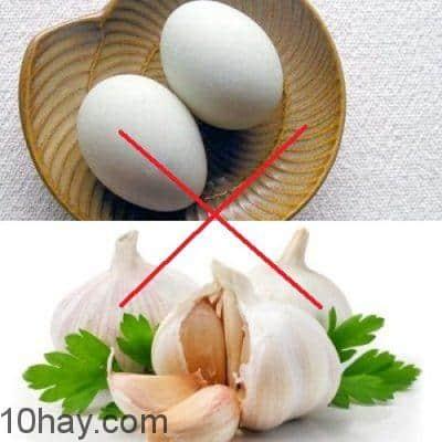 10-thuc-pham-ky-nhau-tuyet-doi-khong-nau-cung-2