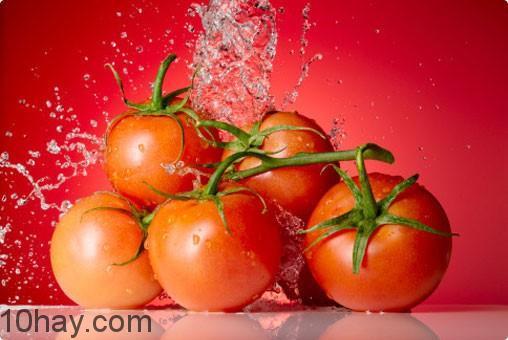 Cà chua lam mặt nạ chữa cháy nắng hữu hiệu