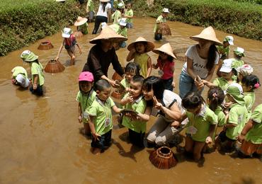 10 địa điểm vui chơi cho bé tại Hà Nội