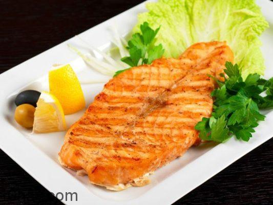 Món cá hồi áp chảo ngon, bổ dưỡng trí não con người