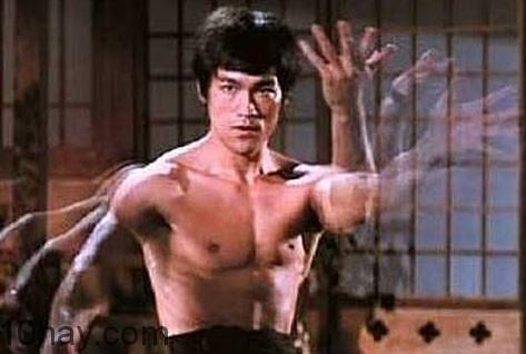Hình ảnh Lý Tiểu Long trong phim Tinh Võ Môn 1972