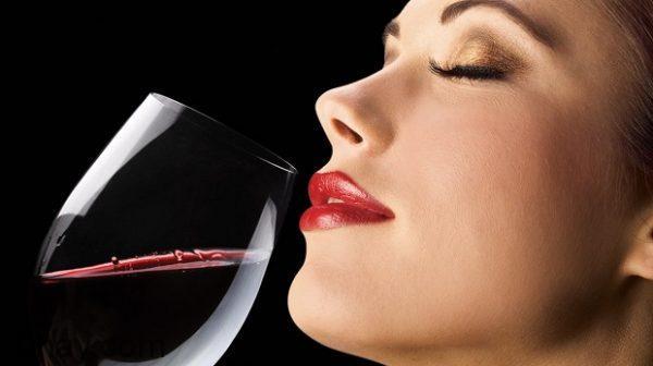 Rượu giúp hưng phấn