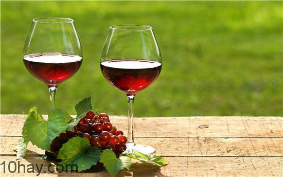 Rượu giúp lợi tiểu