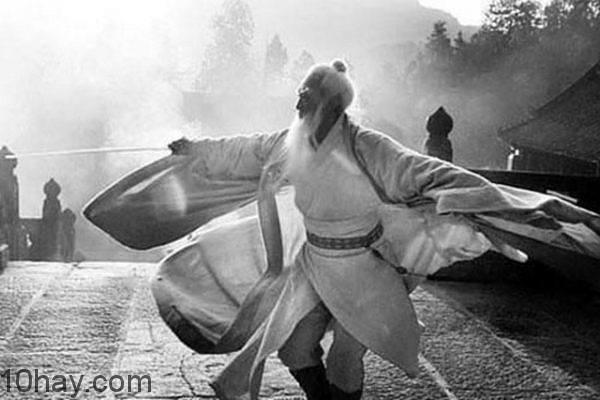 Thủy tổ Trương Tam Phong múa thái cực quyền