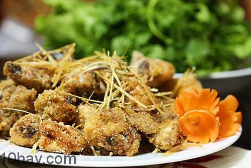 Món ngon dễ làm với thịt gà dai ngon, dùng với cơm trắng dẻo.
