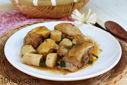 Món ngon dễ làm với gà kho măng mặn mà, thích hợp dùng kèm cơm trắng