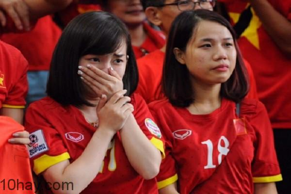 Không cho người yêu xem bóng đá