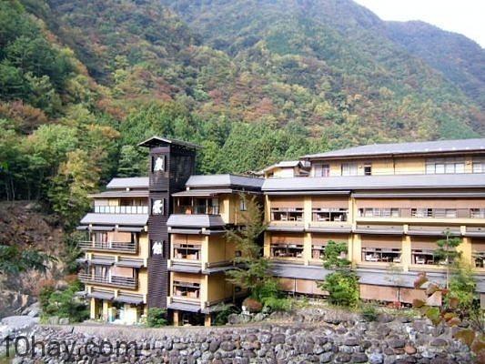 Khách sạn 1.300 tuổi ở Nhật