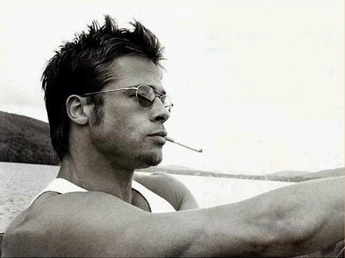 Brad Pitt là một trong 10 người đàn ông điển trai nhất thế giới.