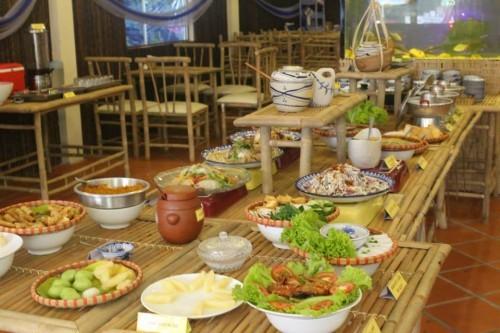 Nhà hàng Buffet nổi tiếng Hương Quê