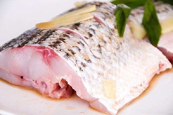 cách nhận biết thực phẩm bẩn - thịt cá