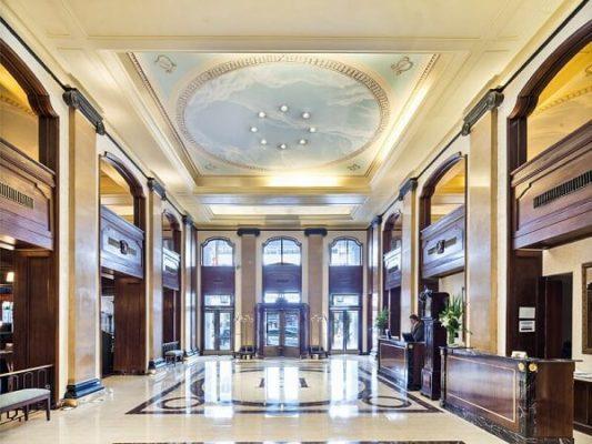 Khách sạn sang trọng Claridge