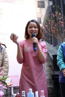 bloger Phạm Hương Thủy