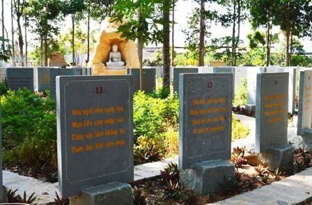 Vườn Kinh đá ở Vĩnh Long