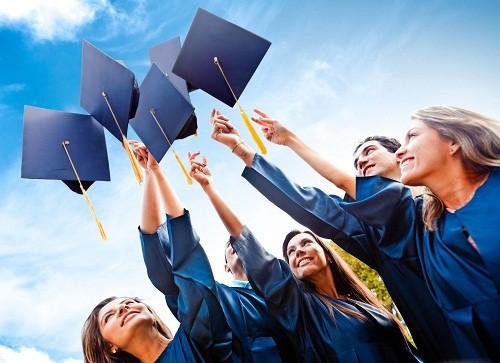 Tốt nghiệp đại học - cao đẳng