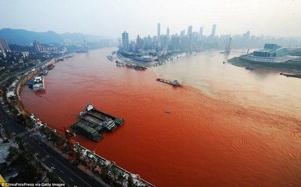 Sông máu (Ảnh minh họa)
