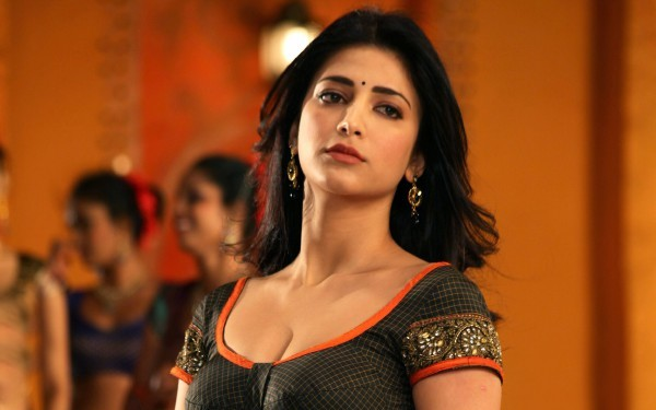 shruti-haasan-hot-wide