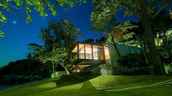 Khách sạn 5 sao tốt nhất ở Phuket - Khách sạn The Naka Phuket