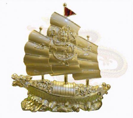 """Thuyền tuowjgn trưng cho """"thuận buồn xuôi gió"""""""