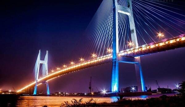 Cầu Phú Mỹ - Địa điểm hẹn hò lý tưởng