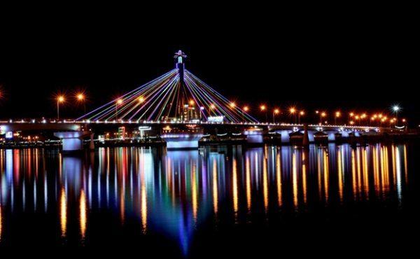 Cầu sông Hàn- địa điểm du lịch