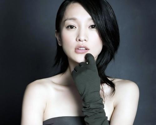 Nữ diễn viên Châu Tấn
