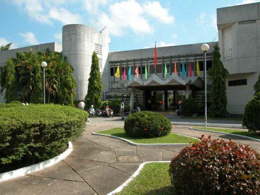 Khuôn viên Đại học Cần Thơ - Top 10 đại học tốt nhất Việt Nam