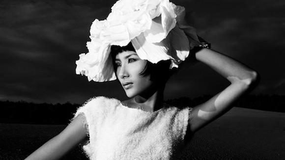 Siêu mẫu Hoàng Thùy đã nỗ lực không ngừng nghỉ để khẳng định tài năng cũng như vị trí của cô trong làng mẫu Việt