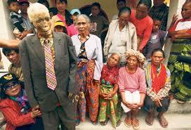 Những xác chết được đưa về nhà ở Indonesia