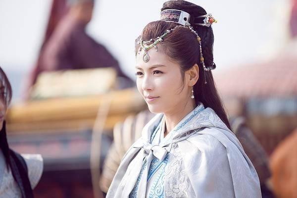 Nữ diễn viên Lưu Đào