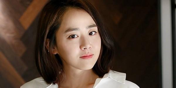 Nữ diễn viên Moon Geung Young