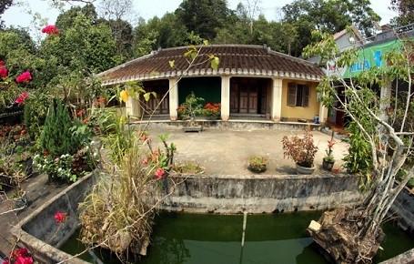 Nhà cổ làng Lộc Yên