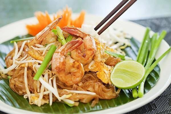 Bạn đã thử hương vị ngon lạ của Pad Thai chưa nào