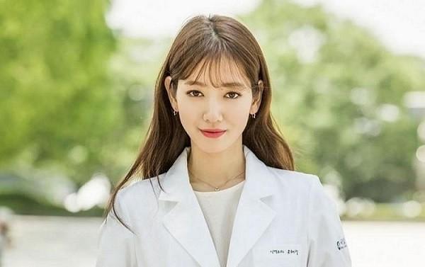 Nữ diễn viên Park Shin Hye