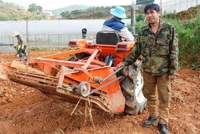 Sáng chế độc đáo của nông dân lớp 8 Phạm Minh Thành