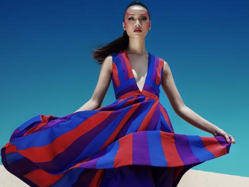 Trang Khiếu dần chinh phục các sàn diễn quốc tế ở các tuần lễ thời trang London hay Milan