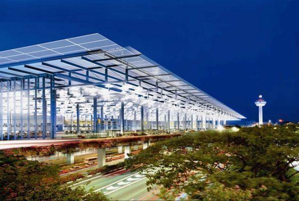 sân bay Changi được bầu chọn là sân bay tốt nhất châu Á và quốc tế
