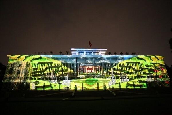 Trình chiếu ánh sáng nghệ thuật tại Dinh Thống Nhất